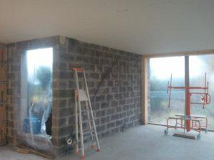 plafond-avec-ossature-stil-f530-sous-solives-bois-et-laine-de-verre-5